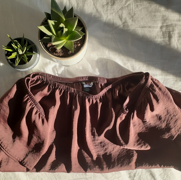 American Eagle Outfitters Tops - American Eagle Brown/Burgundy Off Shoulder Top